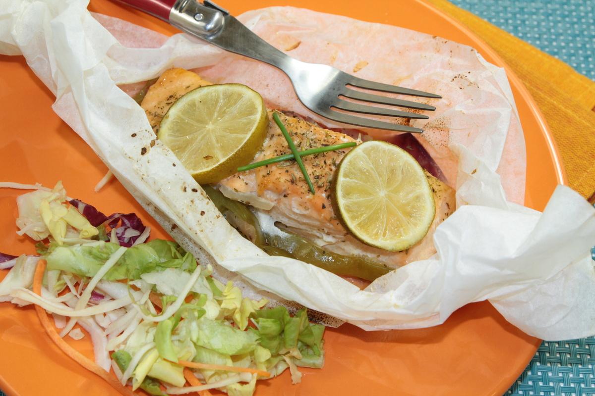 Papillote-de-poisson-maigre-aux-petits-legumes