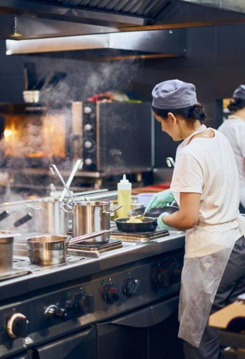 cuisine professionnelle équipée